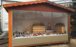 Chalet-marche-de-noel-4m-presentation-creche-facade-en-plexi-Structura