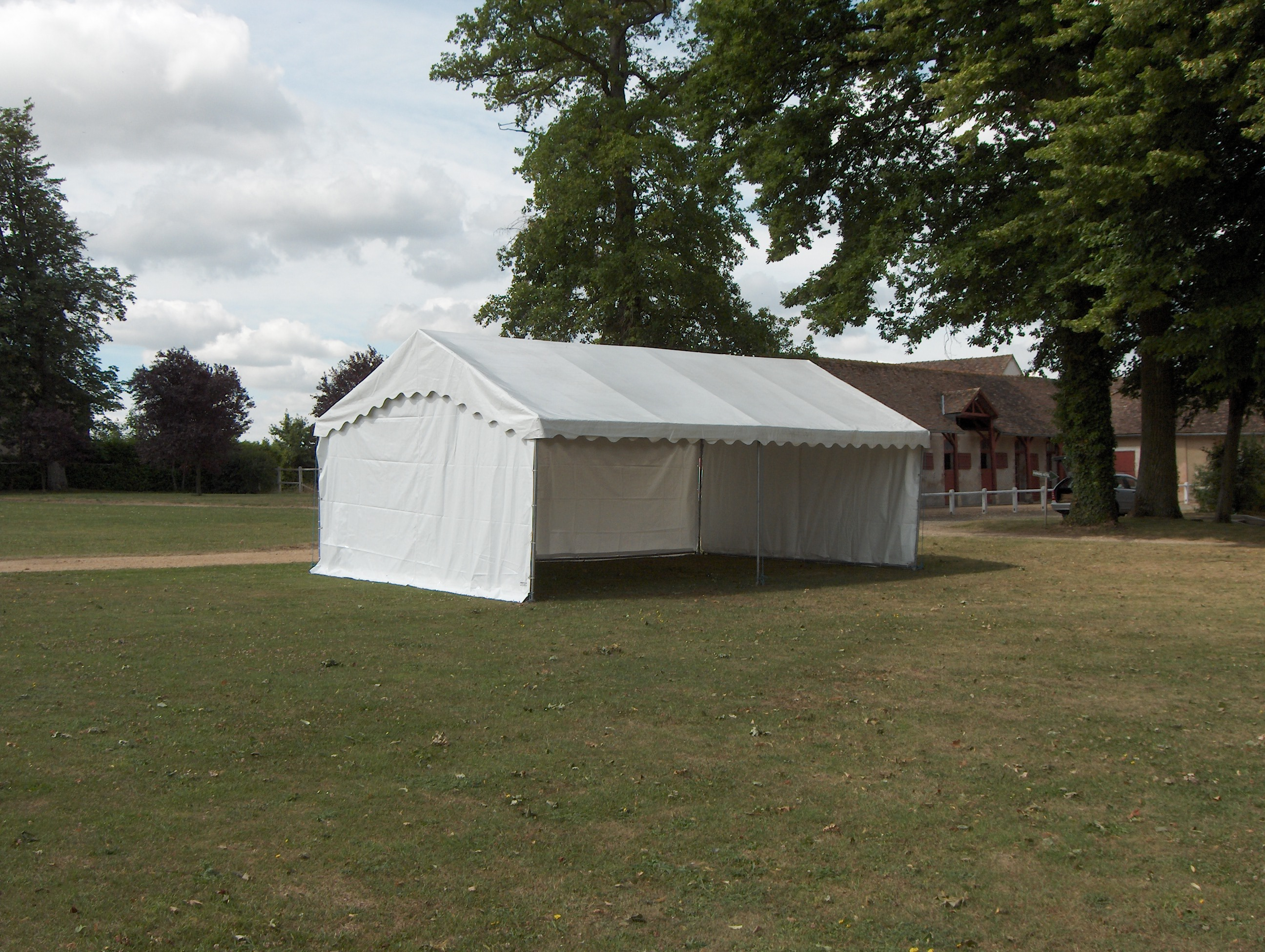 Structura-location-Chapiteaux-réception-tente-barnum-50 Vente de matériels neuf et d'occasion