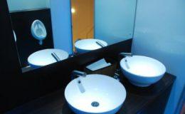 caravane-sanitaire-interieur