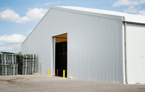 17- Bâtiment industriel (stockage) avec bardage