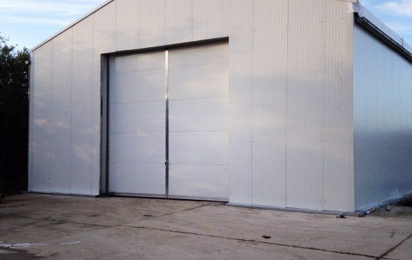 Bâtiment industriel de stockage, entrepôt